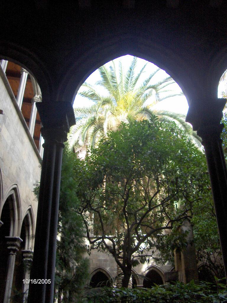 Claustro iglesia Santa Anna